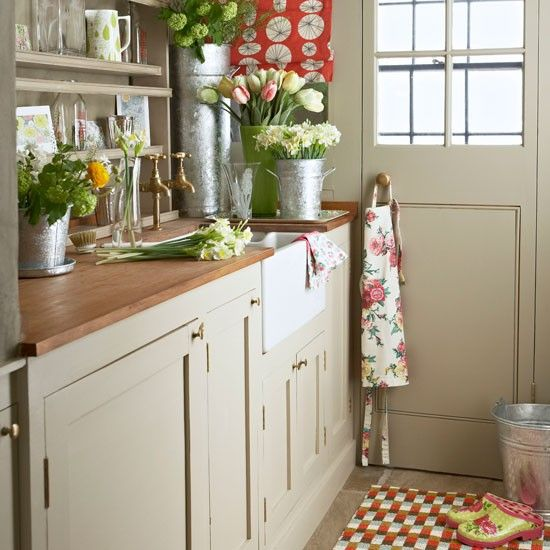 country utility rooms – 10 of the best   wood counter, flower