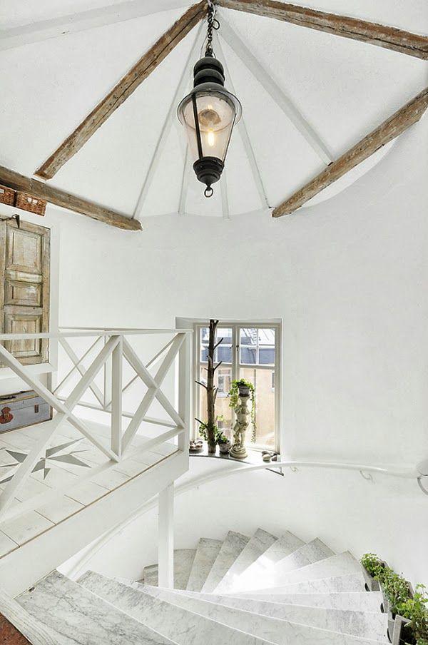 white in Stockholm Treppe - wohnzimmer modern eingerichtet