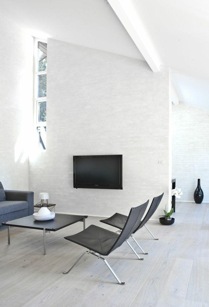 wohnzimmer einrichten beispiele weiße wände kamin dunkle möbel ...