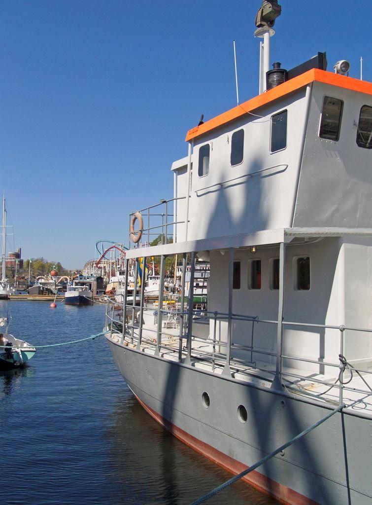 houseboat barge sweden stockholm houseboat narrowboat canalboat rh pinterest com