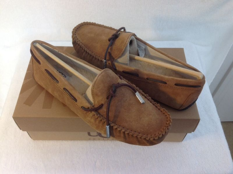 36169693a9b UGG Australia Tie Bow Womans Driving Moccasin Slipper Chestnut 10US ...