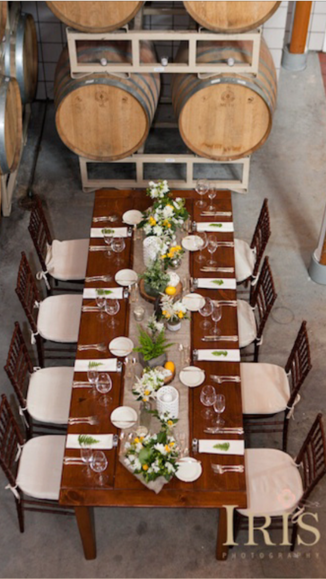 organic vineyard long table scape candis floral creations rh pinterest co uk