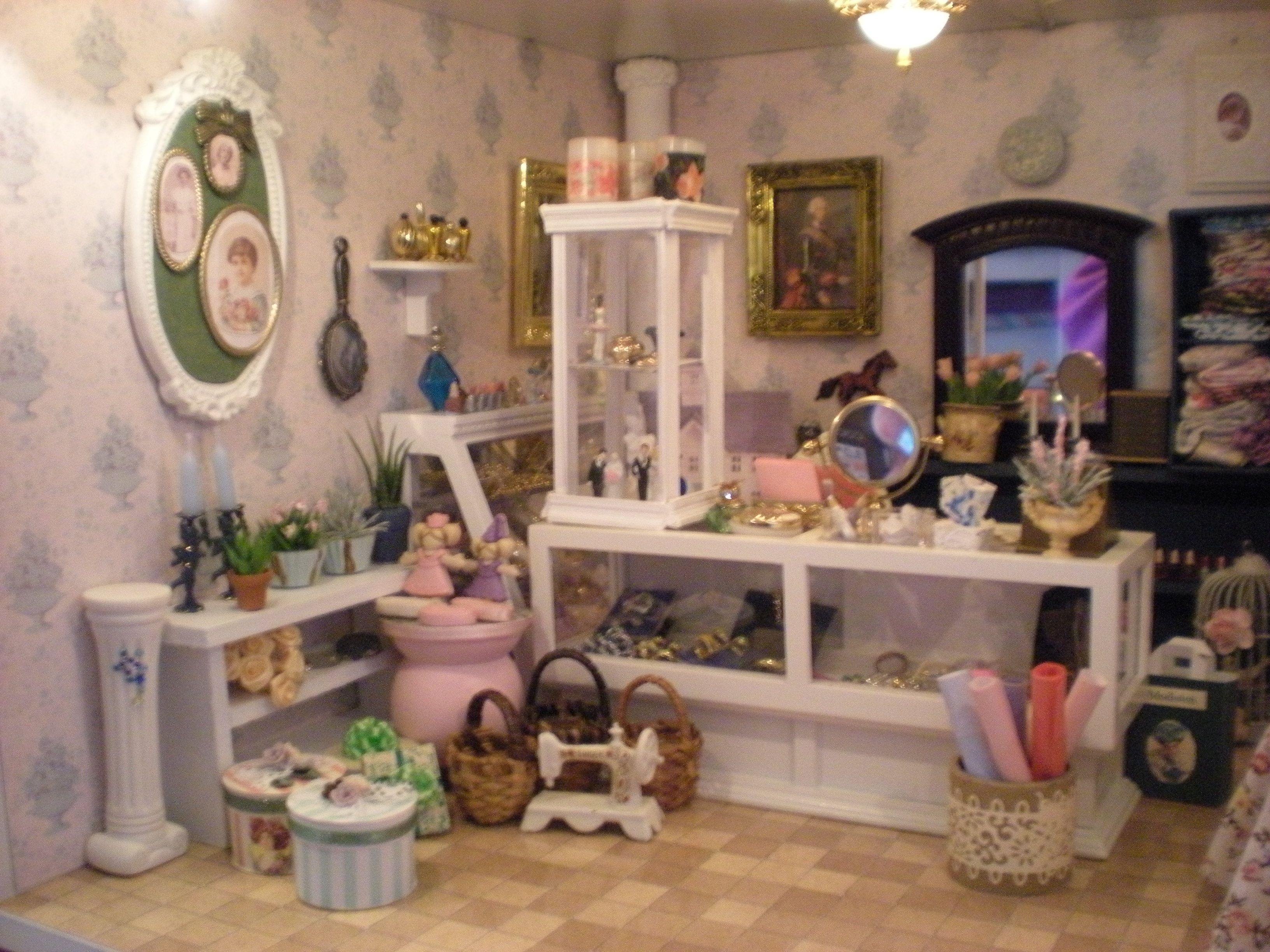 Miniatures Min smykke butikMarian Hansen Min