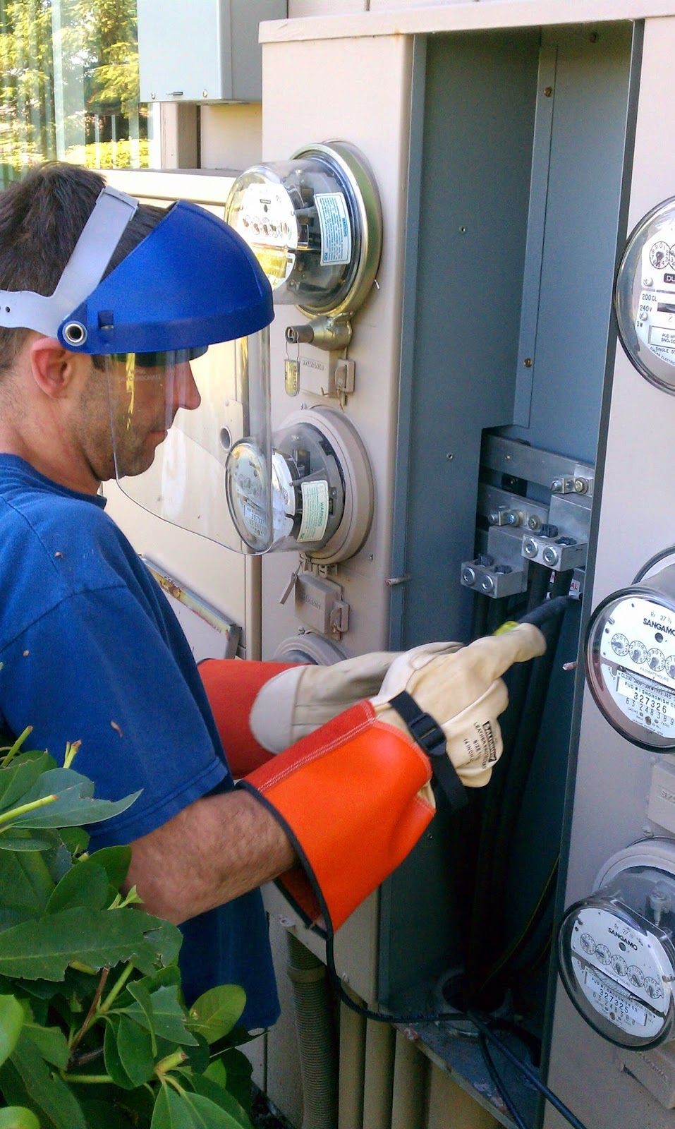 seattle electrical contractor news seattle s electrician shortage rh pinterest com