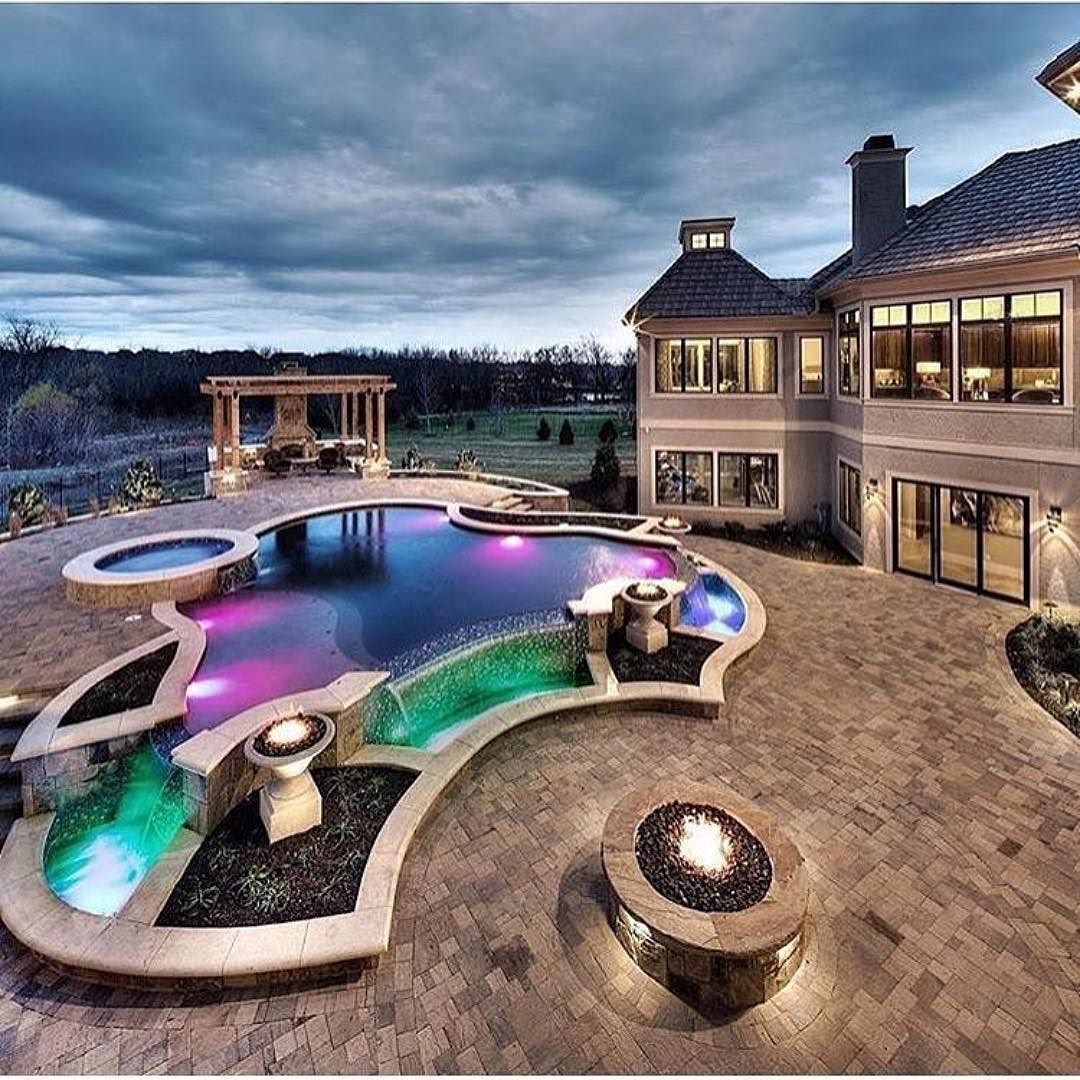Outdoor Luxury Pool House: I Like The House More Than The Pool