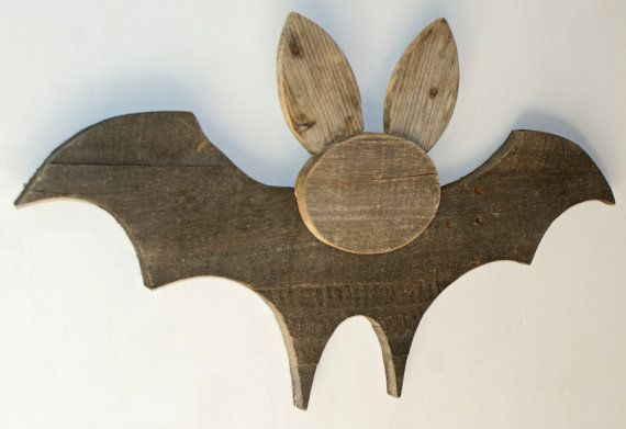 Halloween Bat - Reclaimed Pallet Wood in 2020 | Wood ...