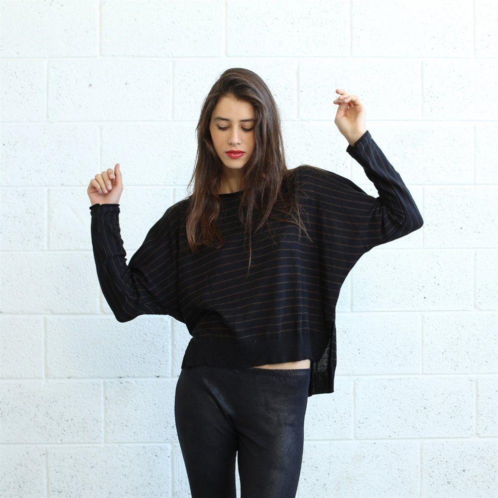 Cómodo y elegante suéter negro y marrón para mujer. (Comfortable and  stylish black sweater 3d307fdb82ce