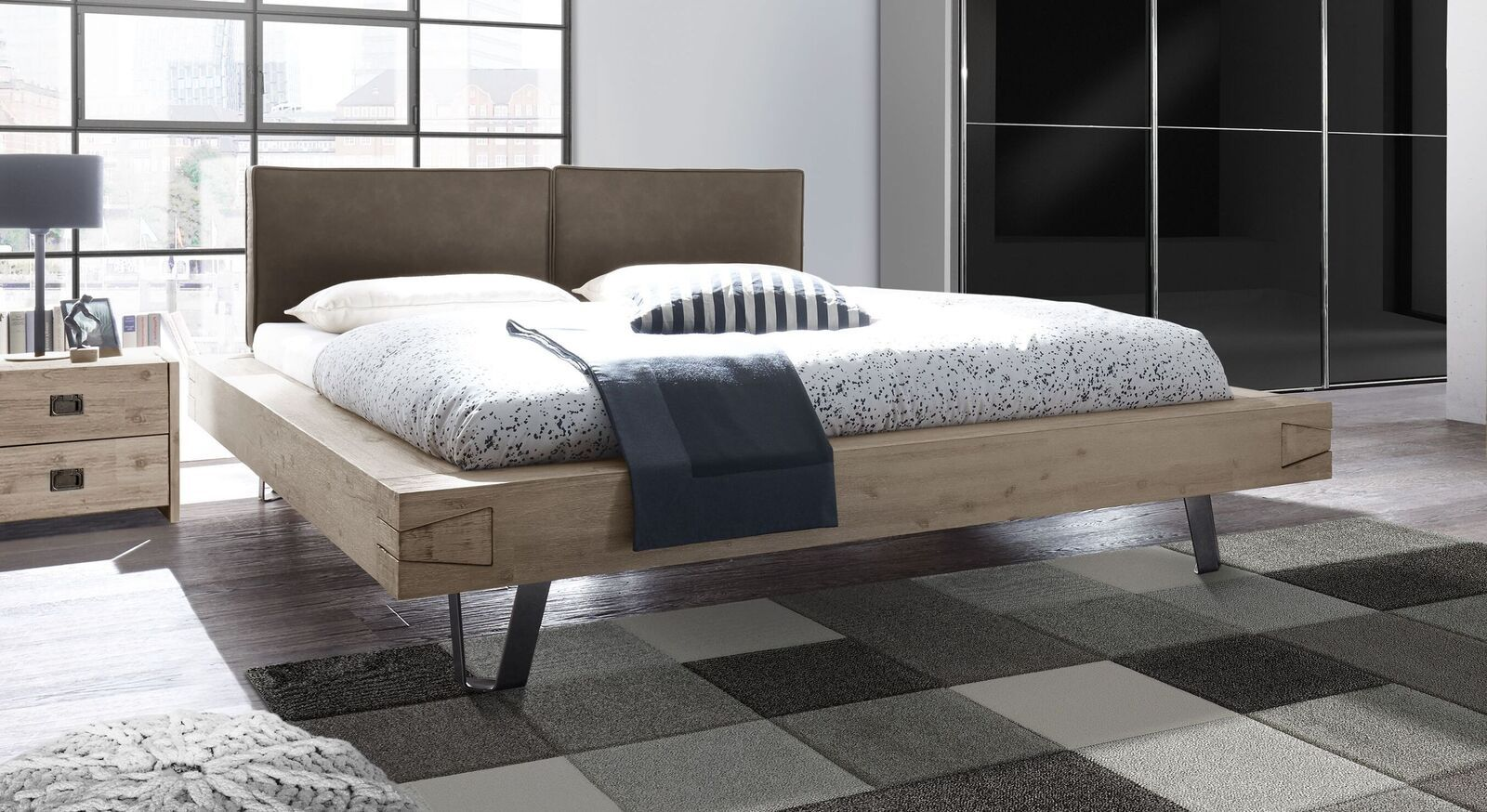 "Photo of ""Jaronia"" bed"