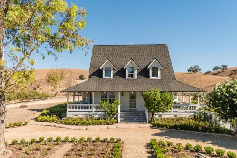 Paso Robles Ava Vineyard Charming Victorian Style Farmhouse For