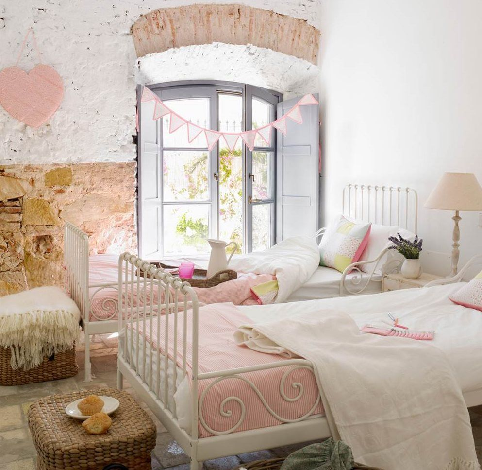 12 habitaciones para princesas felices vestidos blancos for Muebles habitacion infantil nina