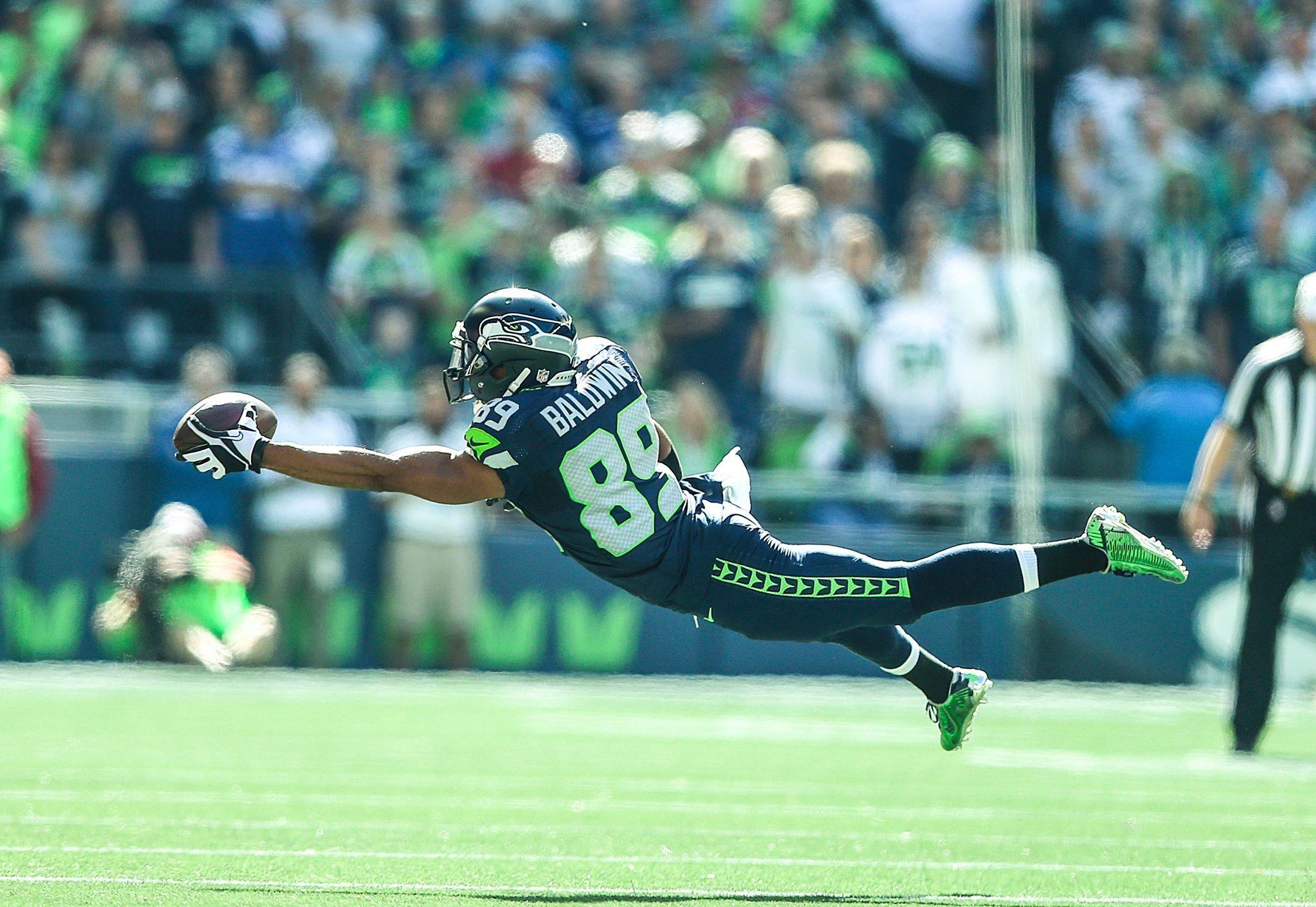 Doug Baldwin one handed catch SEAHAWK LOVE! Seattle