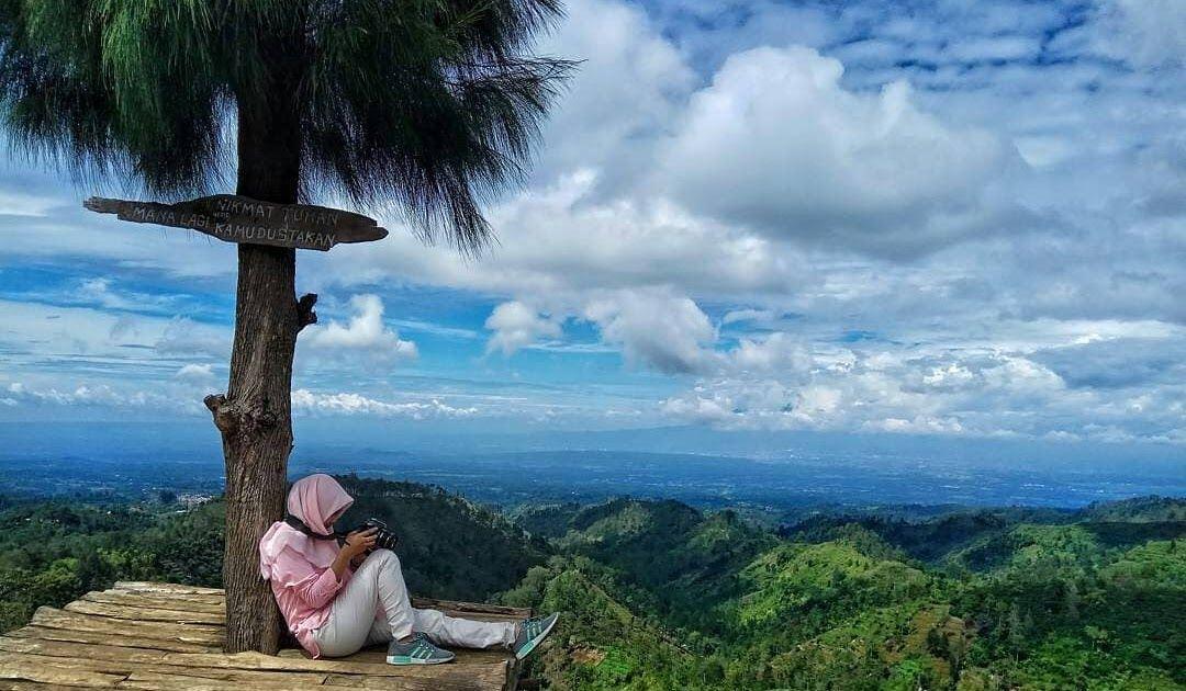 16 Foto Foto Pemandangan Keren Tempat Paling Keren Nikmati Pemandangan Alam Di Malang Download Wallpaper Pemandangan Keren U Di 2020 Pemandangan Air Terjun Pantai