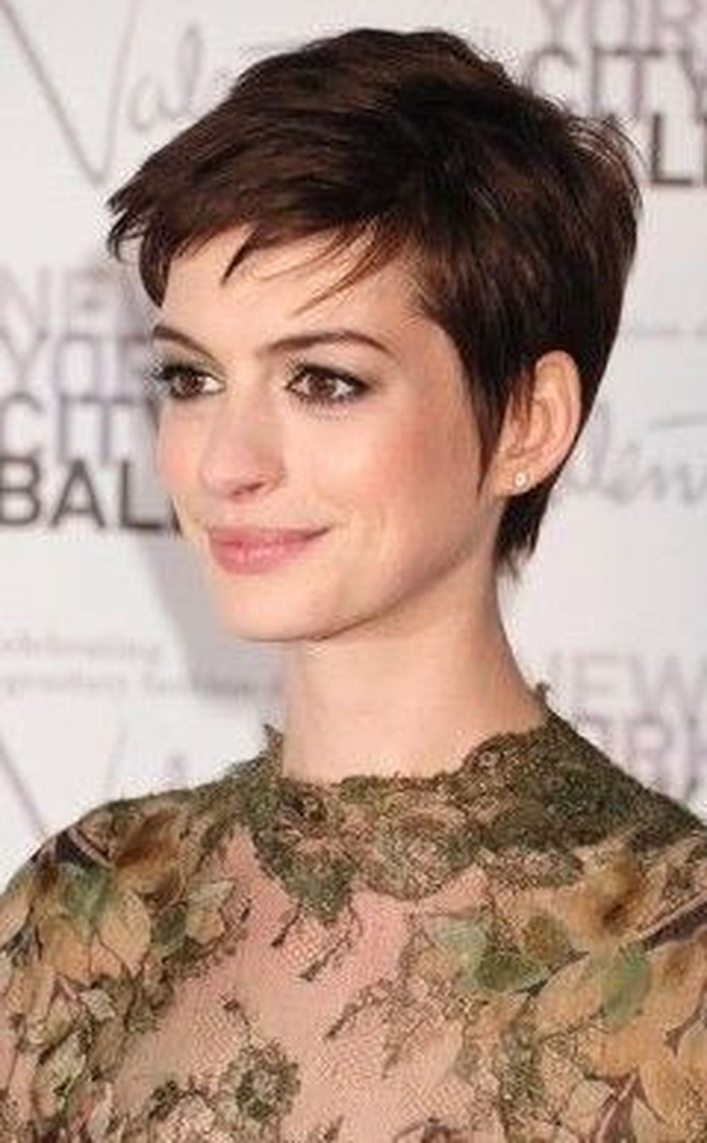10+ Wonderful Short Haircuts And Hairstyles Ideas For Thick Hair