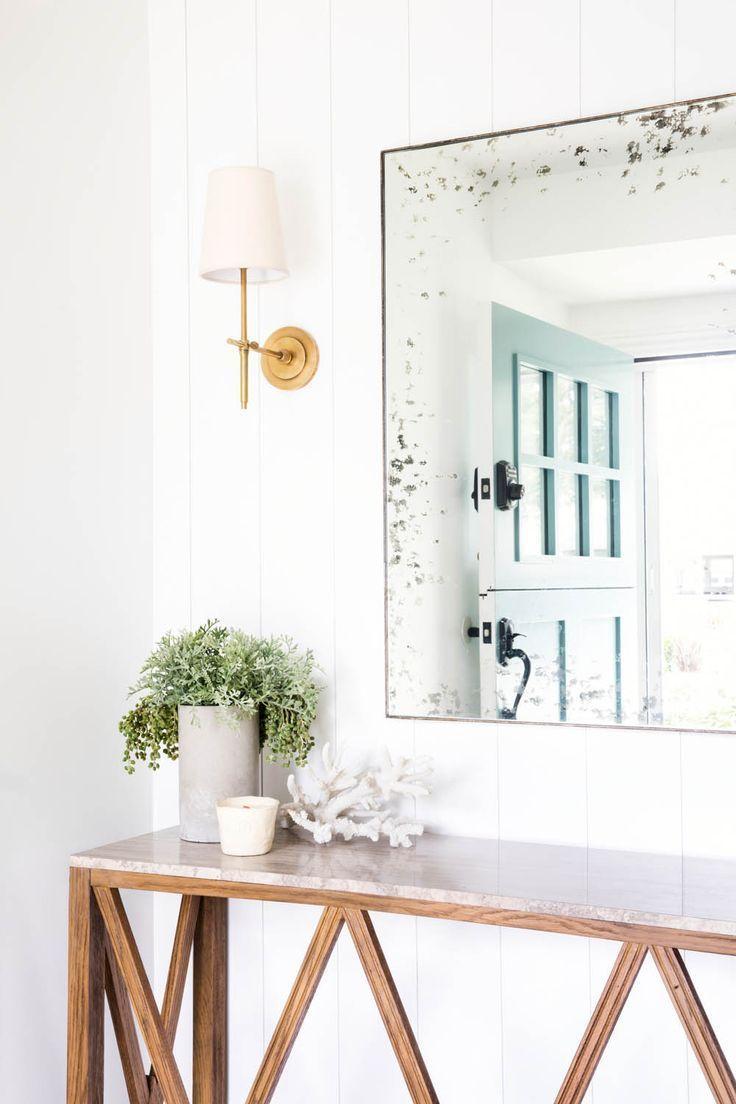 A Clean, Coastal Home in Costa Mesa, CA | Rue foyer design or living ...