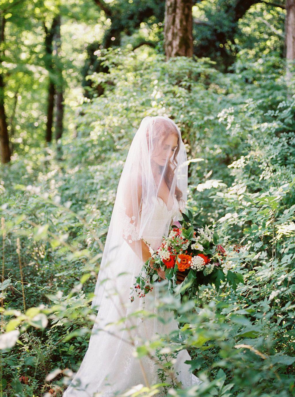 Woodland wedding dress  Carefree Woodland Bridal Inspiration  Gown Astrid Mercedes Luna
