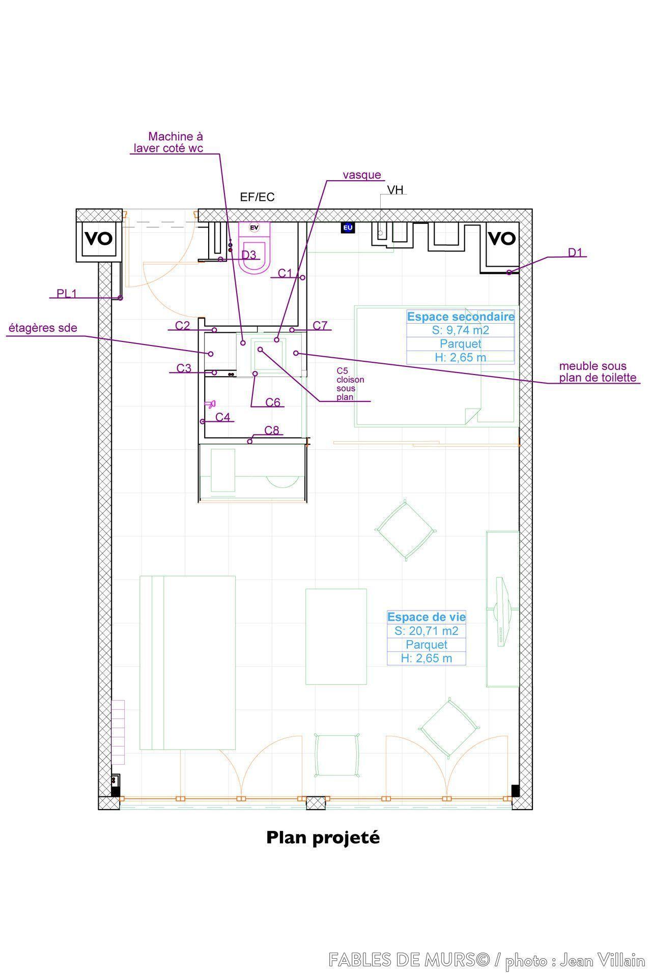 Studio avec espace de couchage indépendant #salled#39;eau Création d'un espace de couchage indépendant dans un studio. L'optimisation du coin cuisine de la salle d'eau et des toilettes sur moins de 4m2 en les regroupant dans un écrin noir permet de gagner de la surface et de créer l'espace de couchage indépendant. #salled#39;eau Studio avec espace de couchage indépendant #salled#39;eau Création d'un espace de couchage indépendant dans un studio. L'optimisation du coin cuisine de la sall #salled#39;eau