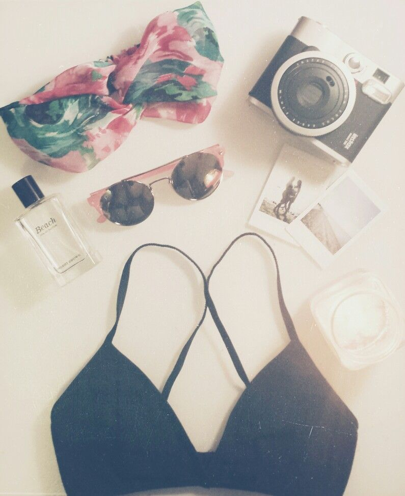 Summertime sadness // accessories: fuji instax,bobbi brown beach,sunnies,headwrap and bralette