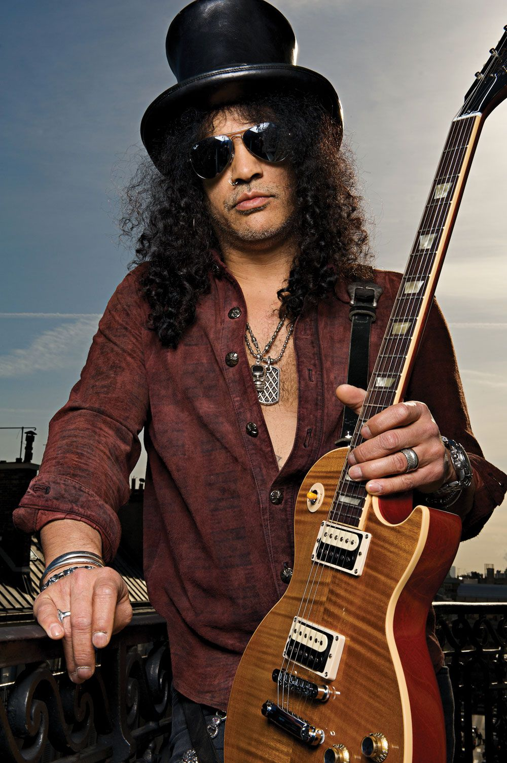 what happened to slash news updates guitarist slash. Black Bedroom Furniture Sets. Home Design Ideas