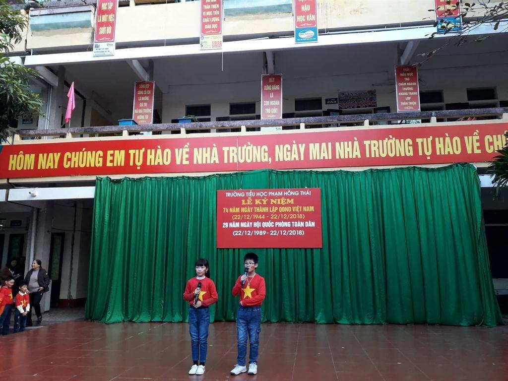 Áo cờ đỏ sao vàng trường Tiểu học Phạm Hồng Thái - Hình 1