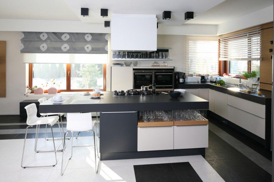 Zaplanowany Az Na Cztery Osoby Barek Sniadaniowy Stanowi Przedluzenie Obszernej Kitchen Island Decor Kitchen Island Designs With Seating Kitchen Island Design