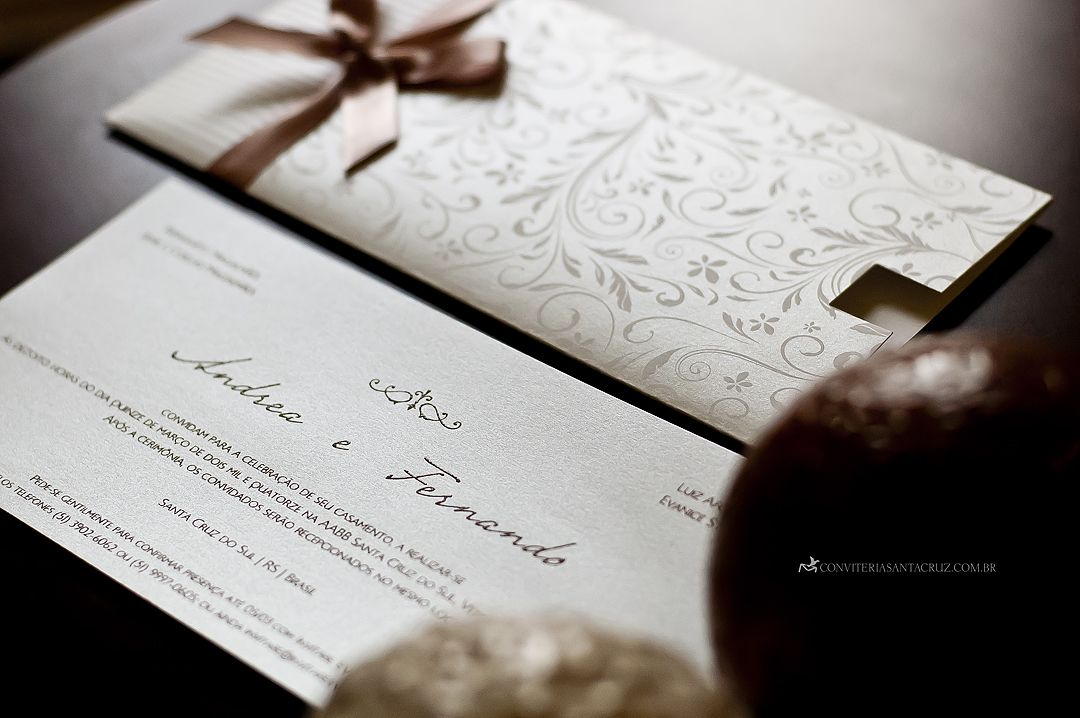 vintage wedding invitation text%0A Convite de casamento moderno e delicado