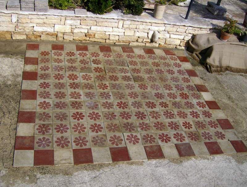 Pavimento di cementine antiche piastrelle house