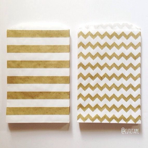 25 Medium White Kraft Paper Bag With Gold Favor Bags In Chevron Or Stripe Pattern Merchandise Great Rustic Wedding