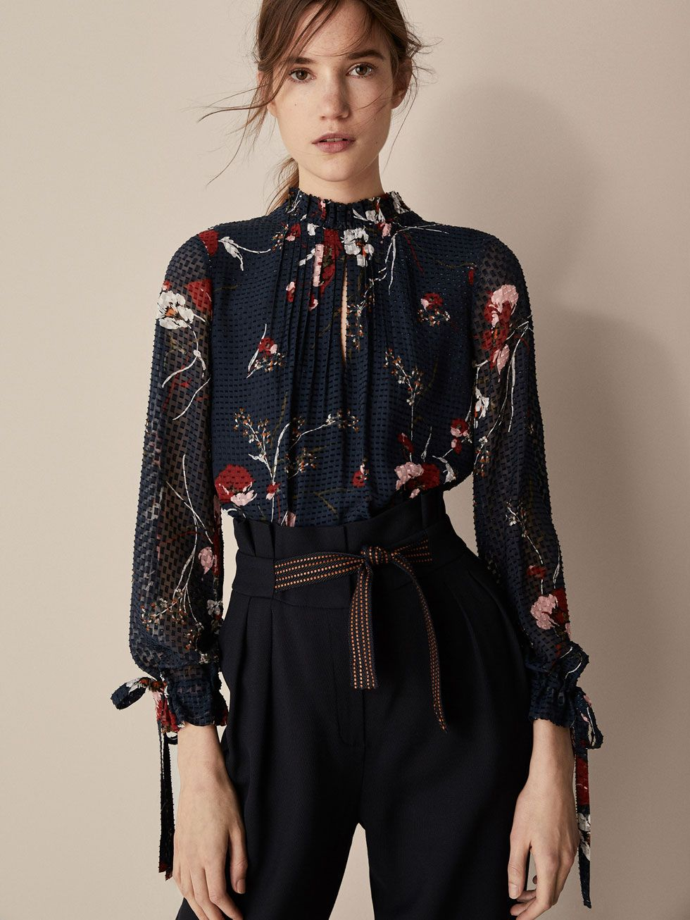 8b712906850 Fall Winter 2017 Women´s SILK FIL COUPÉ SHIRT WITH FLORAL PRINT at Massimo  Dutti for 59.95. Effortless elegance!