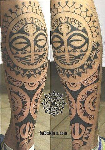 tatouage homme mollet pr sentant un t te de tiki ronde sur la boulette du mollet tattoonskull. Black Bedroom Furniture Sets. Home Design Ideas
