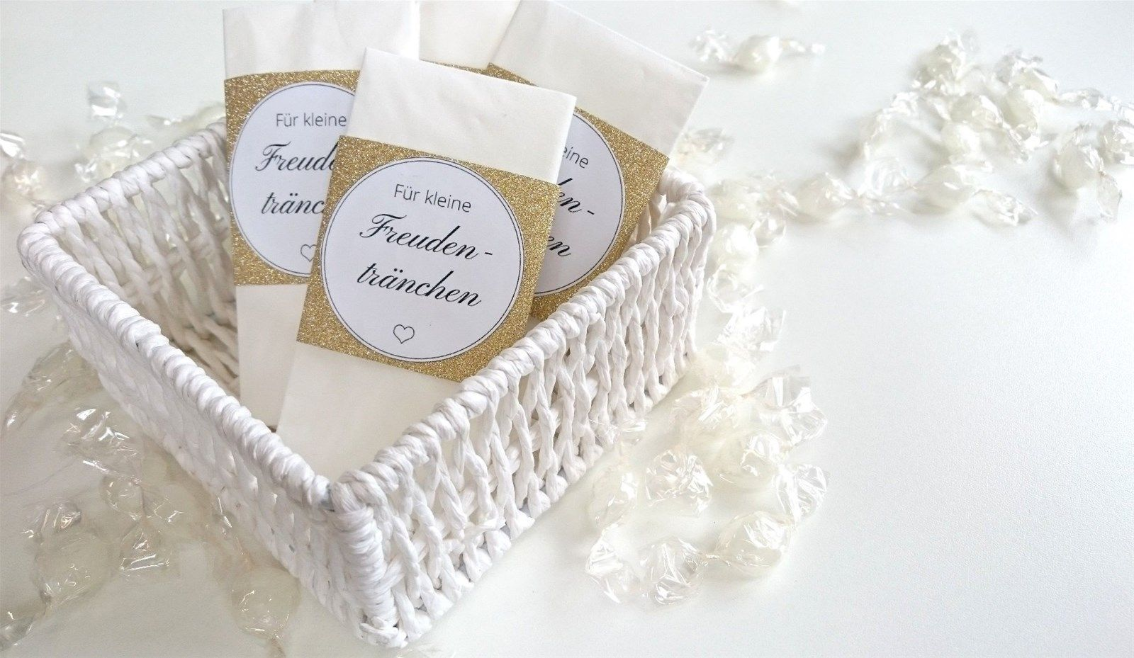 wedding favors ideas do it yourself%0A Do It Yourself Taschent  cher Banderole