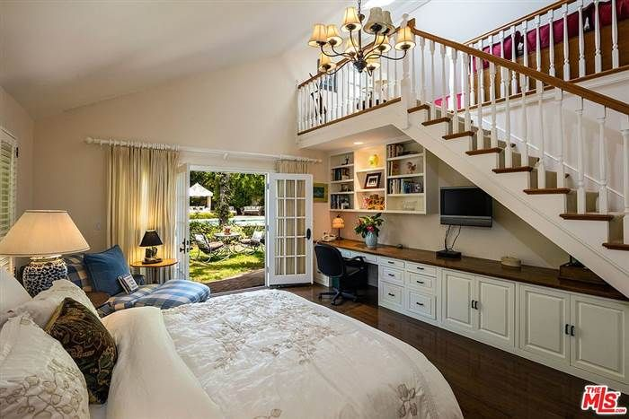 See inside Goldie Hawn and Kurt Russell's cozy California ...