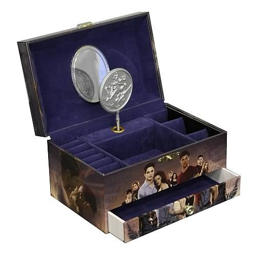 2199 Twilight Breaking Dawn Jewelry Box features Edward Bella and