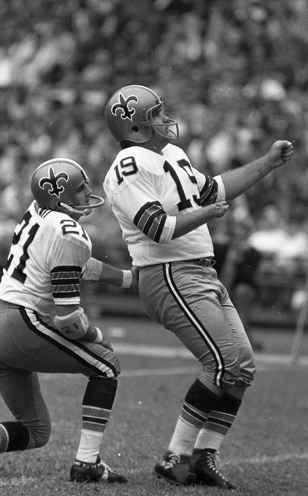 Tom Dempsey Of The New Orleans Saints Used To Hold The Nfl