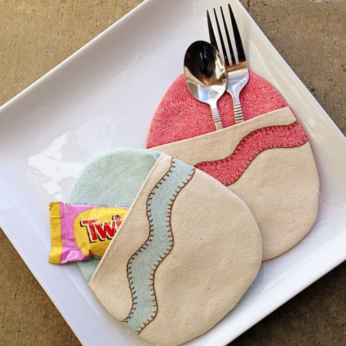 Charming Egg Pockets For Your Spring Table