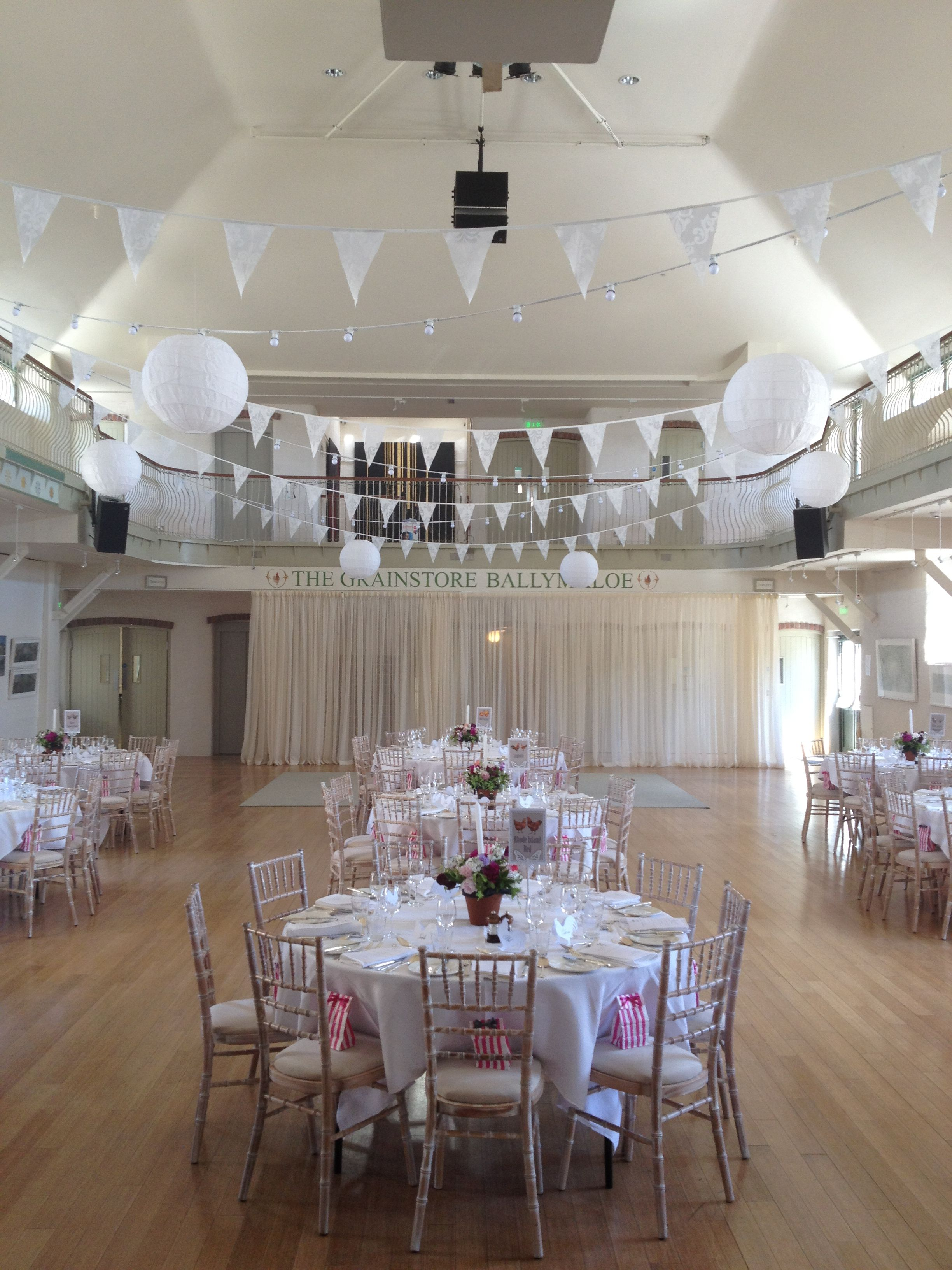Wedding room decoration ideas  Decorating Ideas for a wedding  I love the white bunting from this
