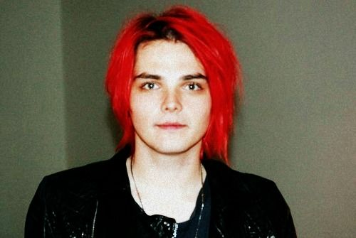 Pin By Ani Chan On Gerard Way In 2020 Gerard Way Gerard Way Red Hair My Chemical Romance