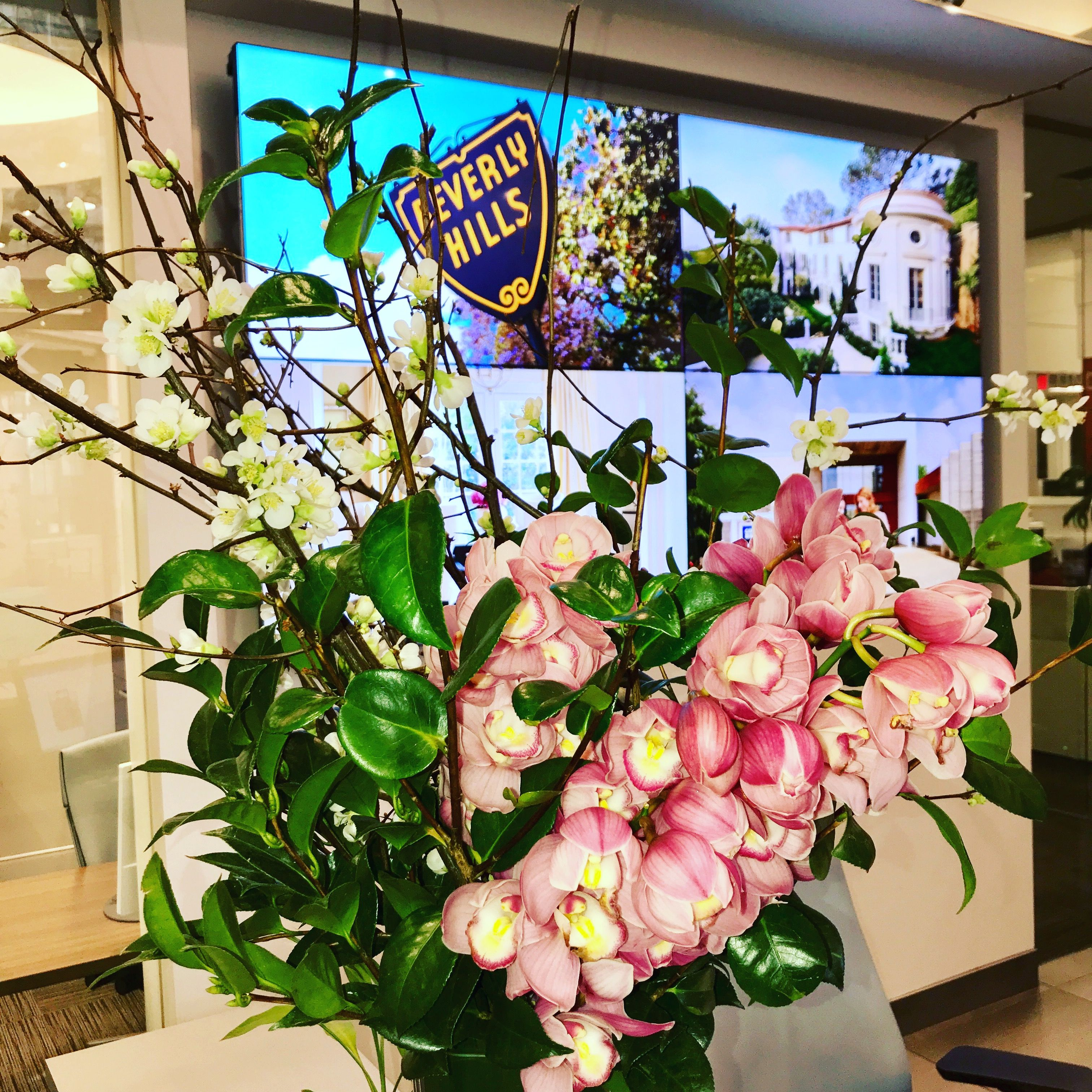 We always have beautiful fresh flowers to welcome our clients and we always have beautiful fresh flowers to welcome our clients and guest coldwell banker global luxury izmirmasajfo