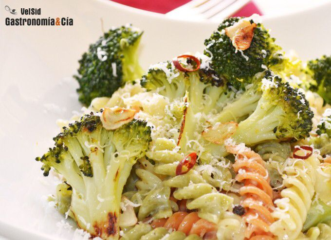 Imagen de http://www.gastronomiaycia.com/wp-content/photos/fusilli_brocoli_parmesa2.jpg.
