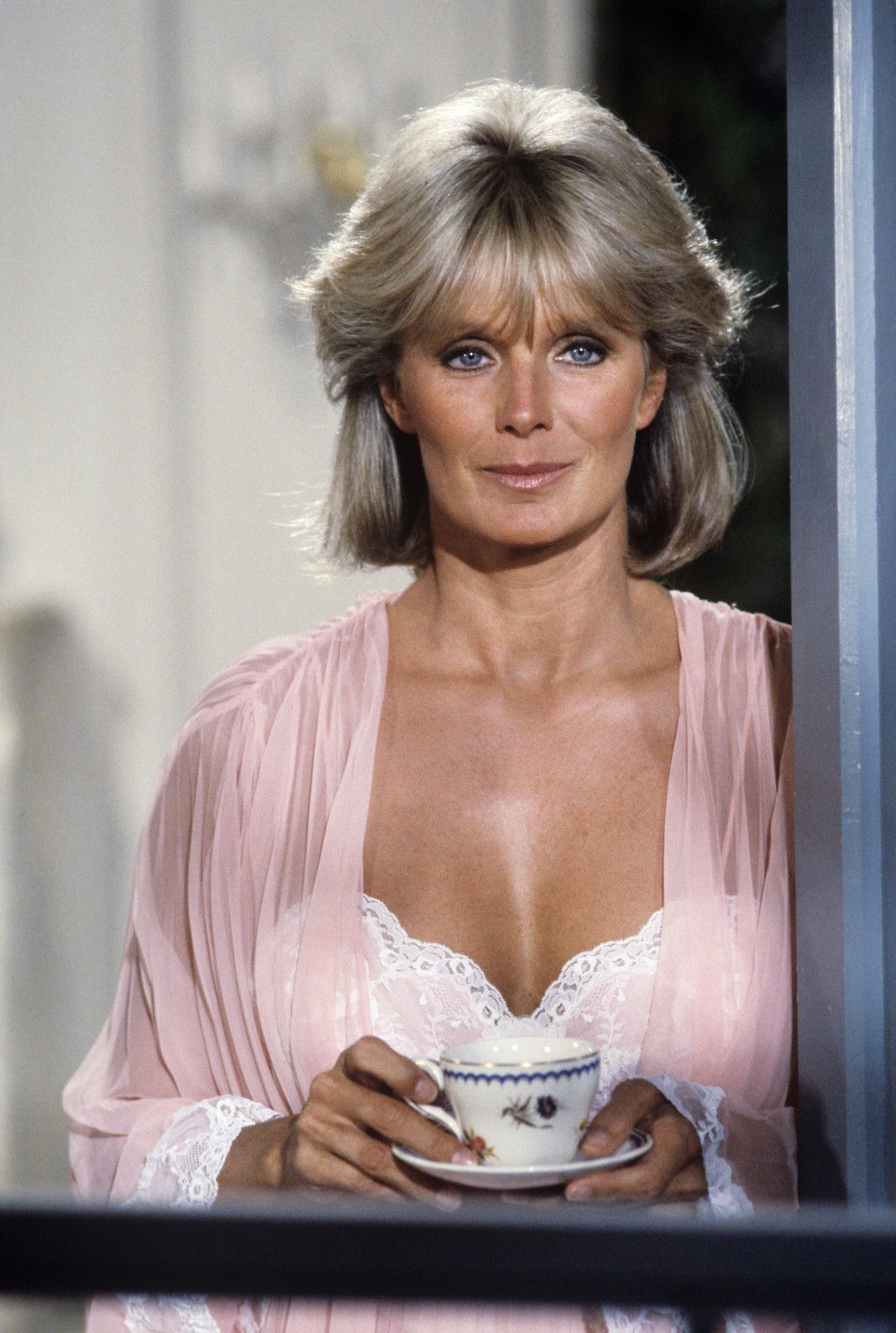 Linda Evans born November 18, 1942 (age 75) Linda Evans born November 18, 1942 (age 75) new images