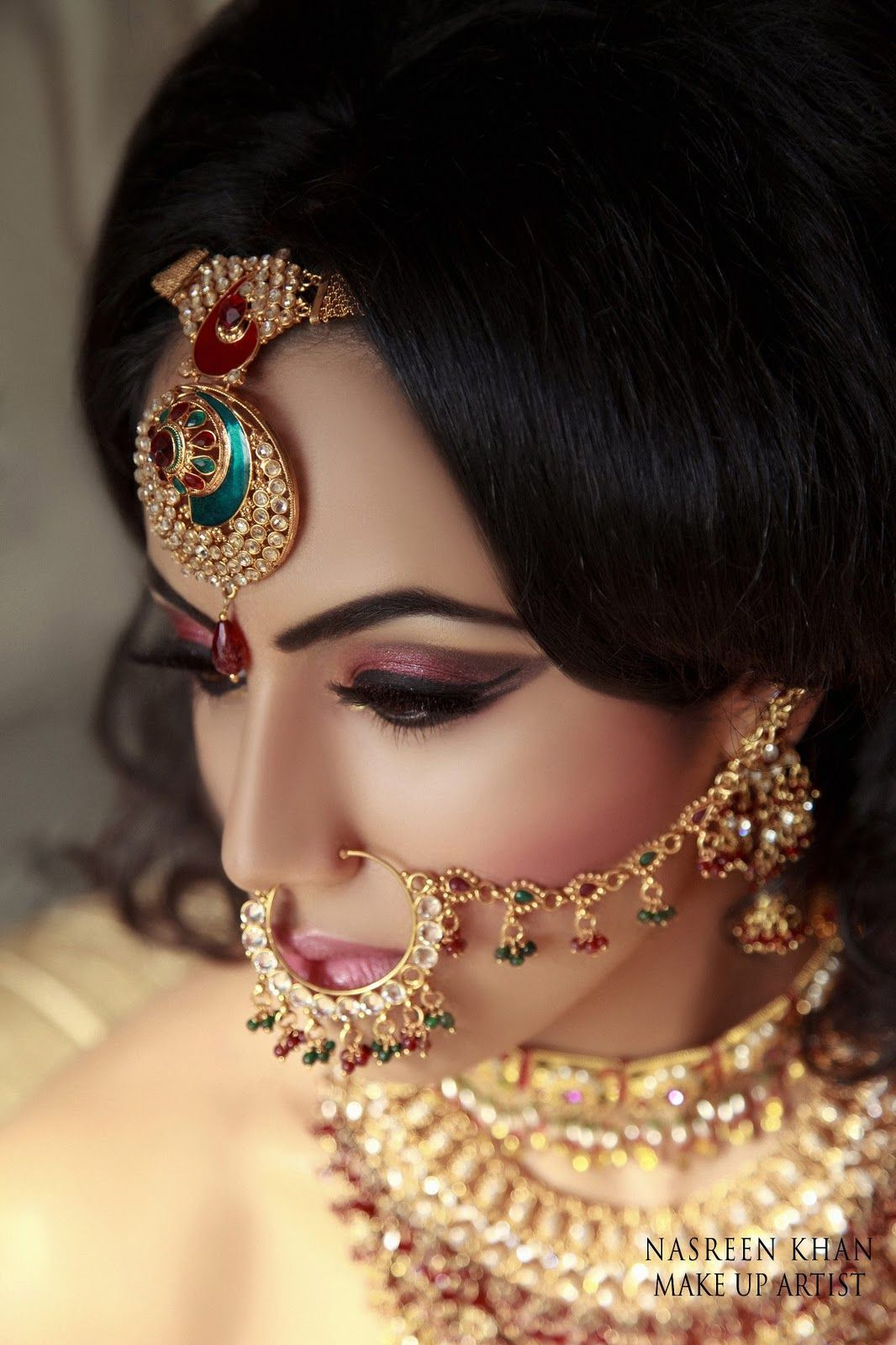 indian wedding hairstyle gallery%0A Makeup   Stunning Bridal Makeup by Makeup Artist Nasreen Khan   FunMag