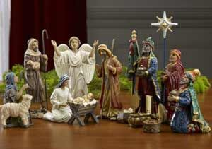 LOVE this FHE idea about the symbolism of the wise men's gifts, our gift to Jesus  http://www.theredheadedhostess.com/teach/family-home-evening-teach/christmas-family-home-evening-idea-our-gift-to-jesus/