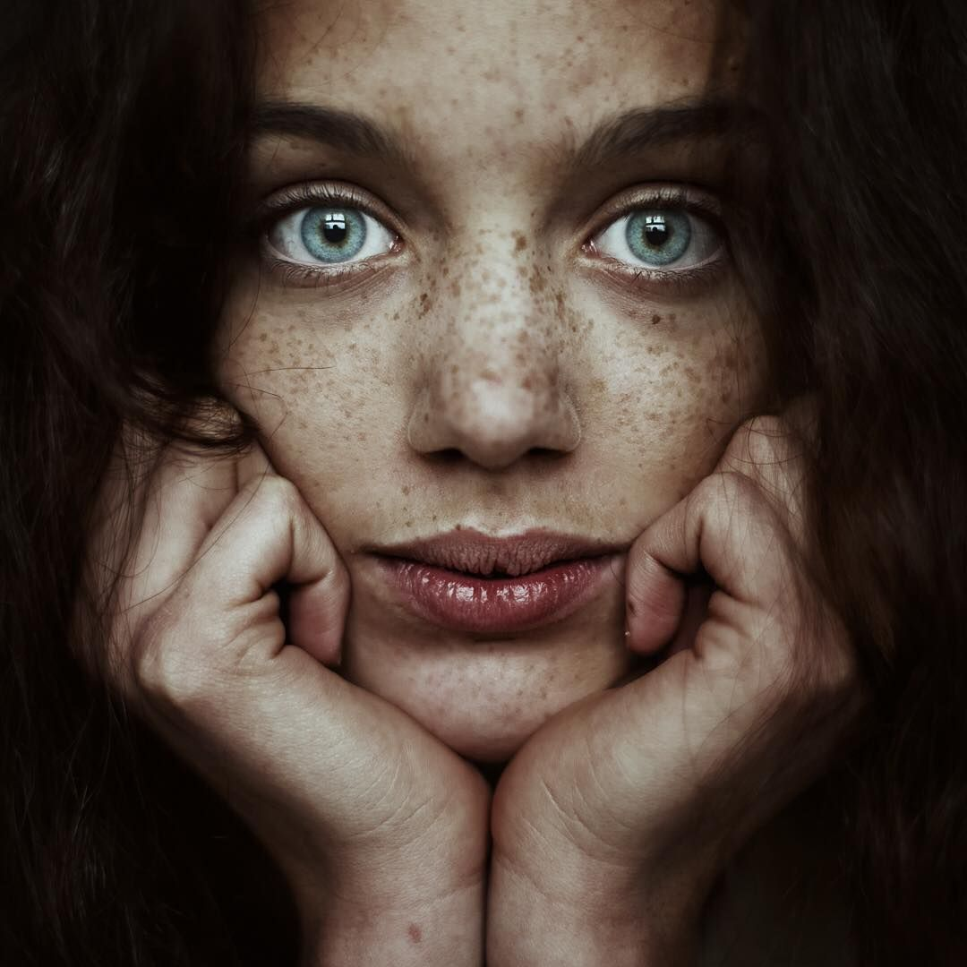 Incredible NaturalLight Female Portraits by Alessio Albi