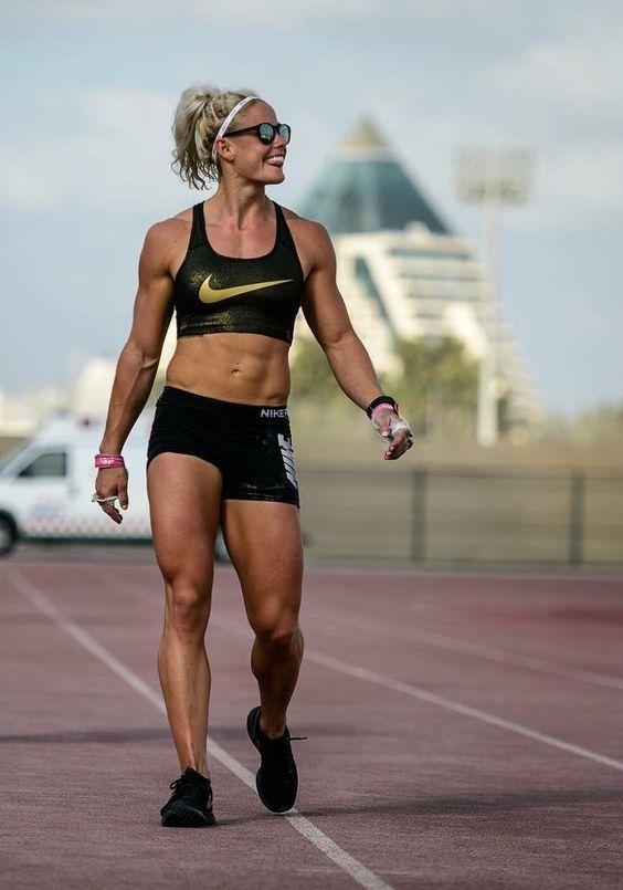ca305dee09 Sara Sigmundsdottir  NIke Training