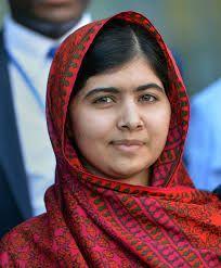 Malala Yousafzai é uma ativista paquistanesa. Foi a pessoa mais nova a ser laureada com um prémio Nobel.  Nascimento: 12 de julho de 1997 (19 anos), Mingora, Paquistão. Nacionalidade: Paquistanês. Obras: Eu sou Malala - A história da garota que defendeu o direito à educação e foi baleada pelo Talibã,