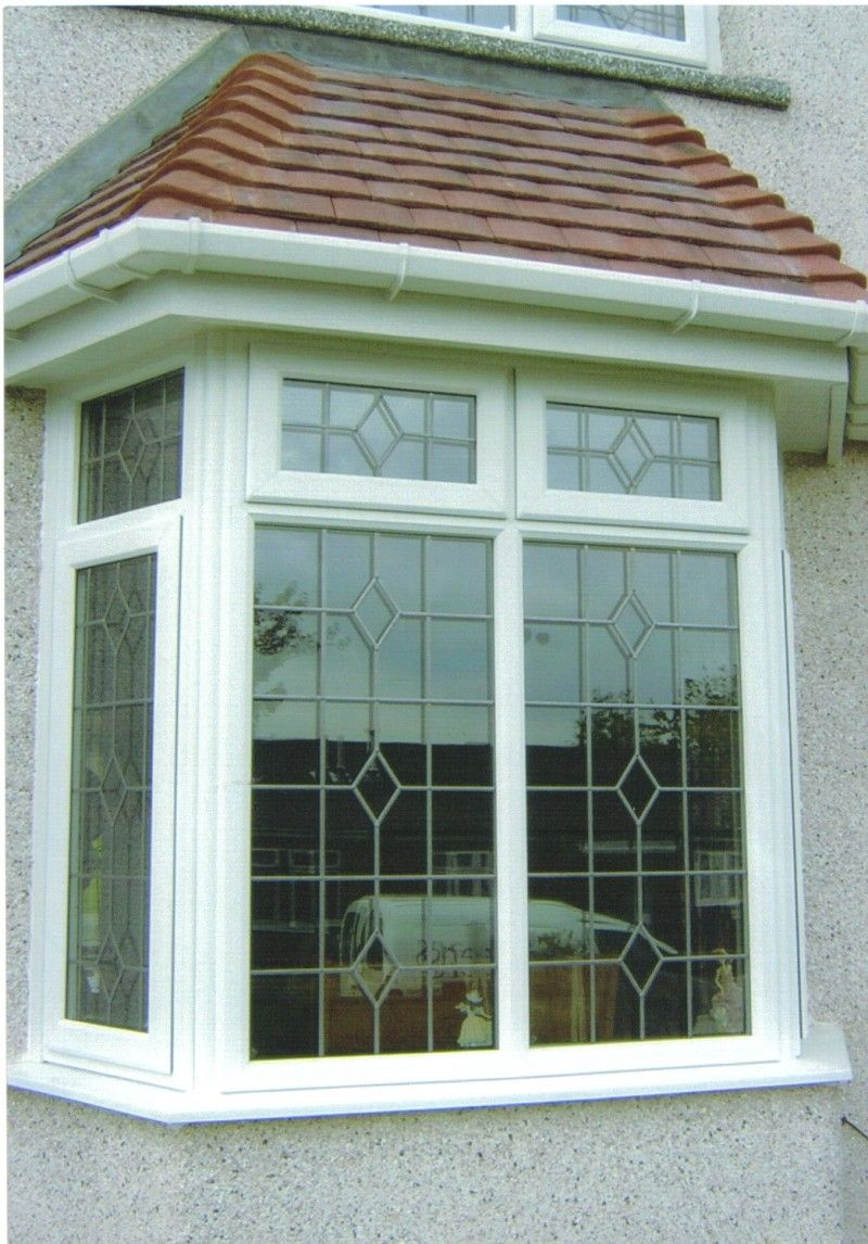 Pella Bay Or Bow Windows Add Light View And Living Space To A Room Choose Wood Clad Fiberglass Or Plastic House Window Design Windows Exterior Window Design