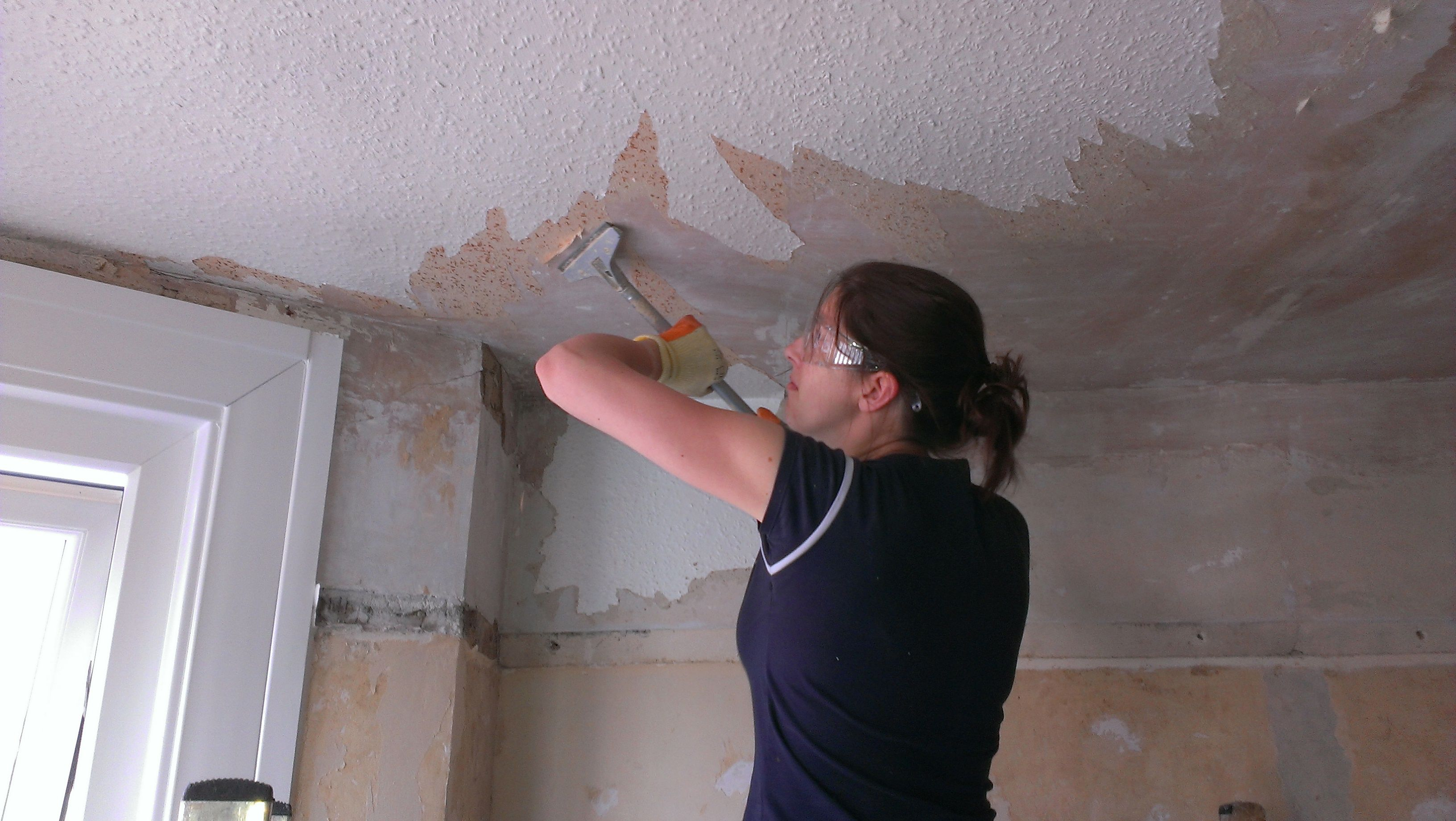 How To Remove Woodchip Wallpaper From A Ceiling Www Energywarden Net