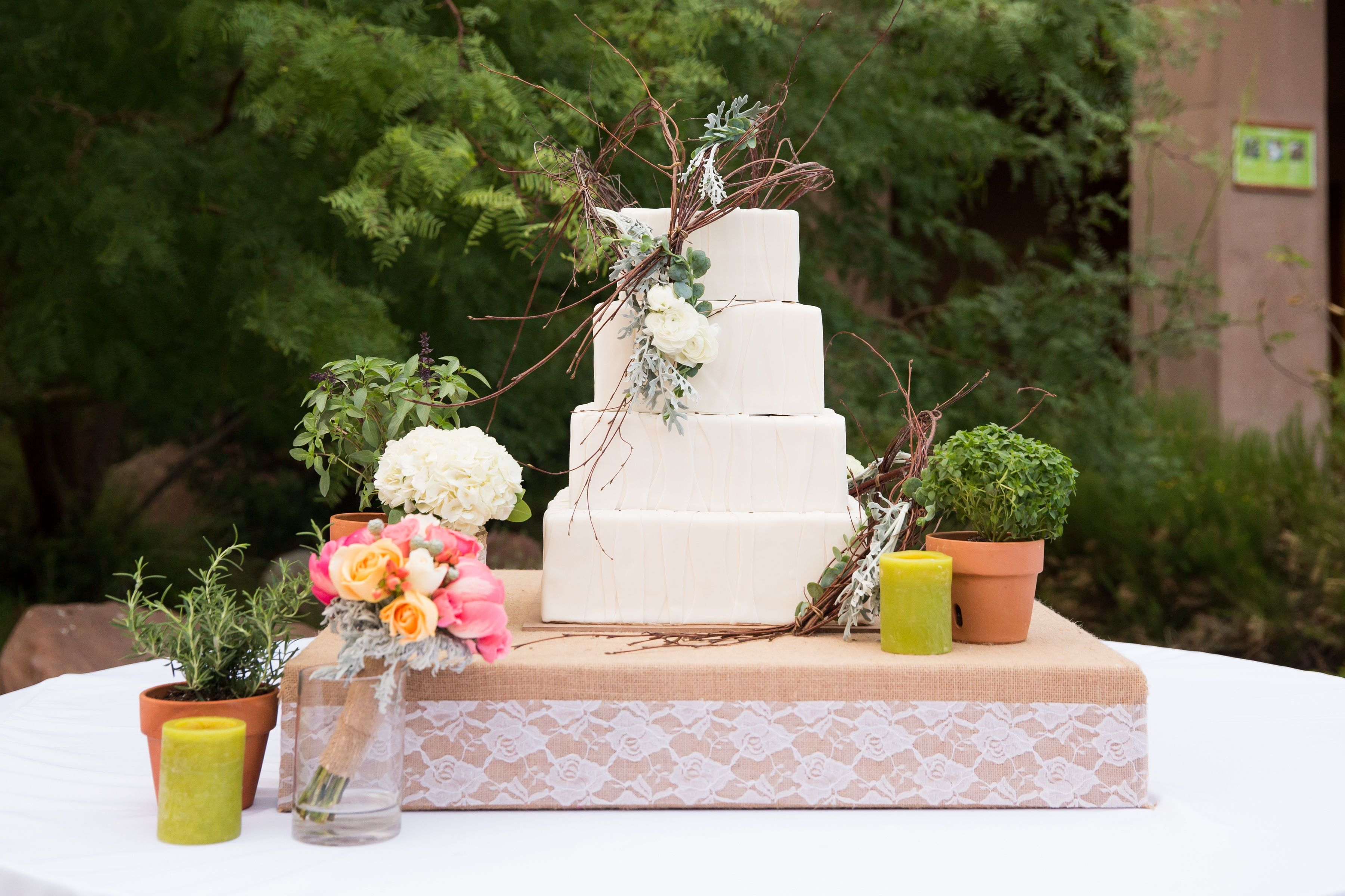 Rustic flower accents for your cake wwwfloracouture cake