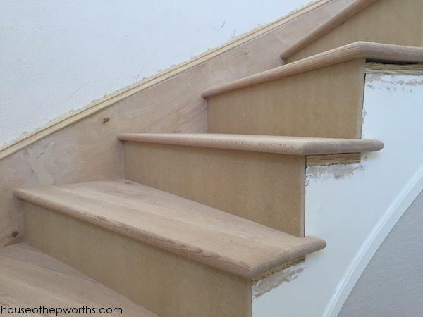 Best An Amazing Staircase Makeover From Carpet To Wood Staircase Makeover Staircase House In 400 x 300