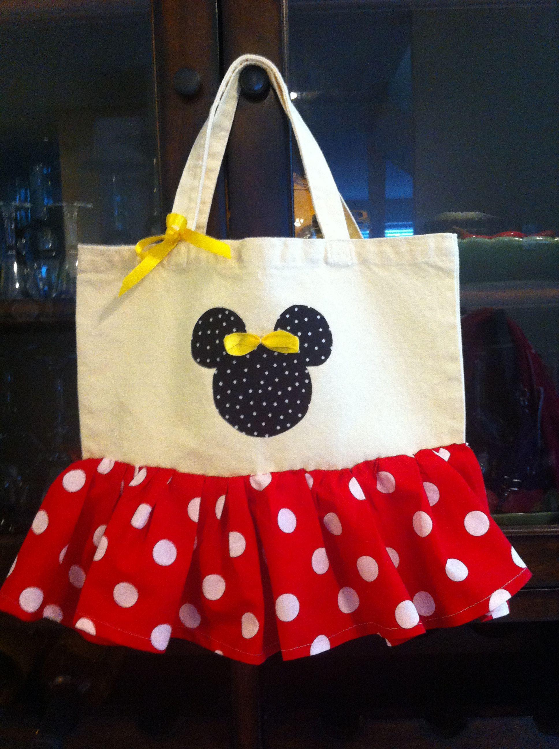 76c4de1bb4b DIY tote bag. Used steam a seam for cutout