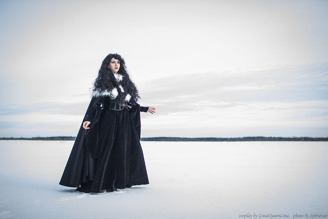 Character: Yennefer of Vengerberg / From: Andrzej Sapkowski's 'The Witcher' Short Stories and Novels & CD Projekt RED's 'The Witcher' Video Game Series / Cosplayer: Lina Groza (aka Great Queen Lina) / Photo: Spirtovar / Costume Design: Lina Groza